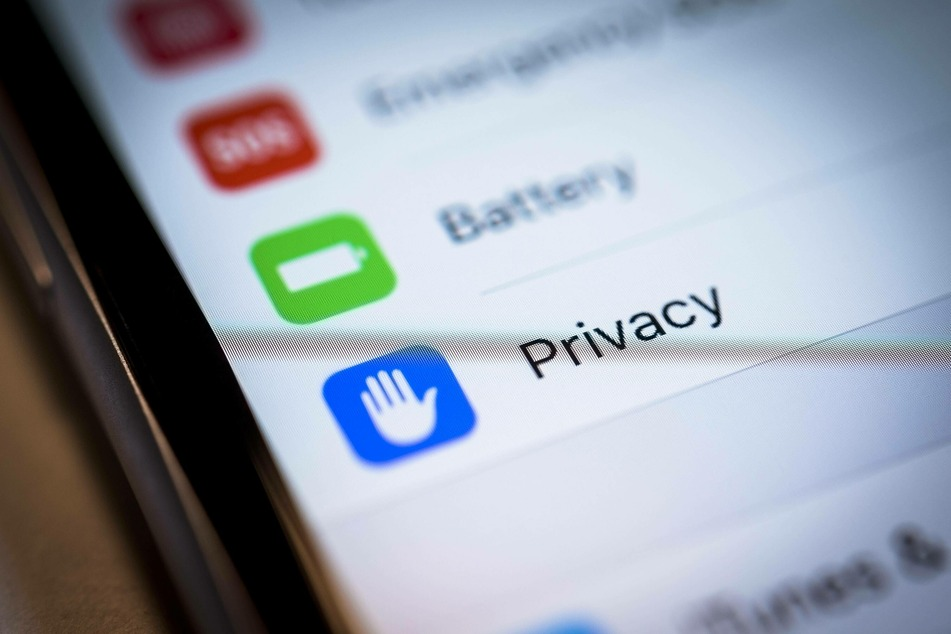 Mark Zuckerberg sees Apple's new privacy policy as a threat.