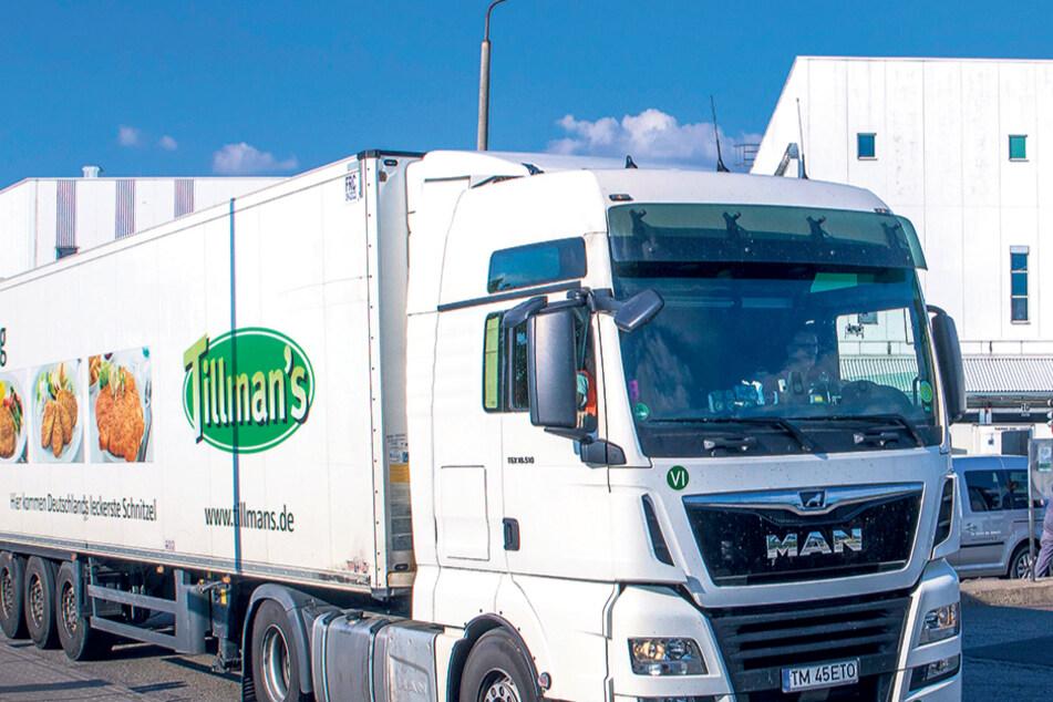 Für sächsische Schweinezüchter tabu: Im Schlachthof Weißenfels (Sachsen-Anhalt) halten derzeit fast ausschließlich Viehtransporte aus Nordrhein-Westfalen. Sächsische Züchter bleiben - im übertragenen Sinn - auf ihren Schweinen sitzen.