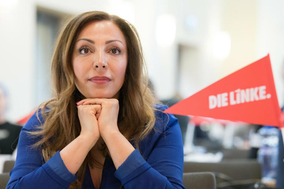 Helin Evrim Sommer (49, Die Linke), Bundestagsabgeordnete, kommt zum Landesparteitag ihrer Partei.