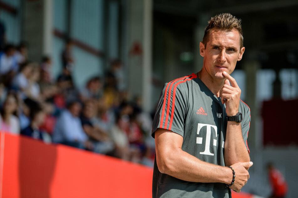 Miroslav Klose (42) muss wegen zwei Thrombosen im Bein eine Zwangspause einlegen. (Archiv)