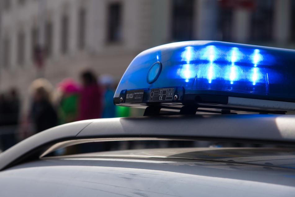 Polizeieinsatz in der Gemeinschaftsunterkunft für Asylsuchende in Striegistal. (Symbolbild)