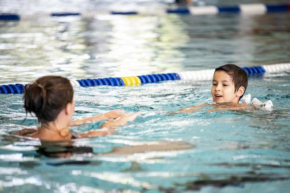 Seit einem Jahr findet in Sachsen kein reguläres Schulschwimmen mehr statt.