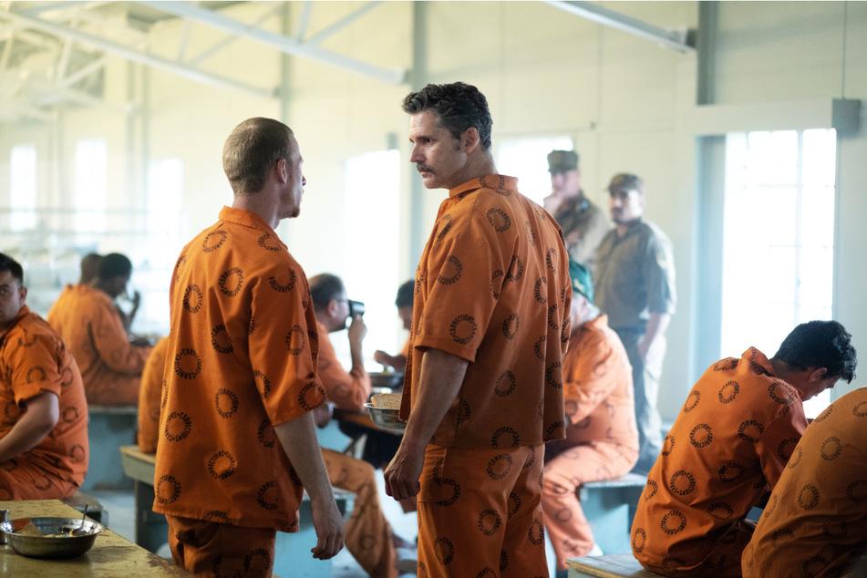Eric Bana (v.-r.) brilliert in seiner Rolle als psychopathischer und intelligenter Serienmörder.