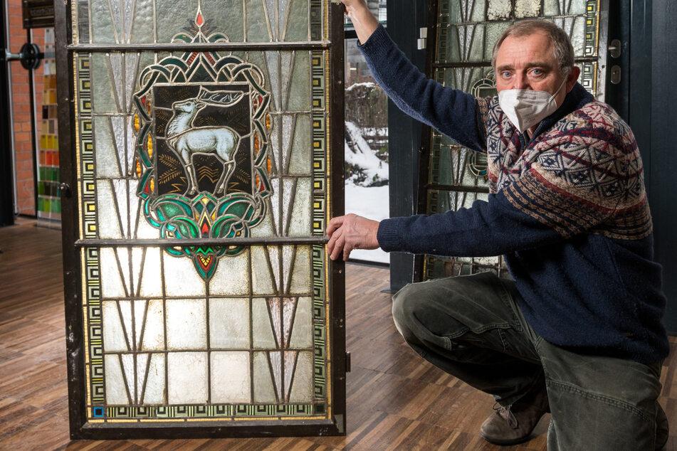 Glasermeister Körner gibt Dresden den weißen Hirsch zurück