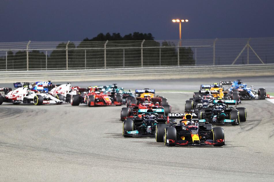 Max Verstappen (23) im Red-Bull-Boliden startete von der Pole Position, konnte sie jedoch nicht verteidigen.