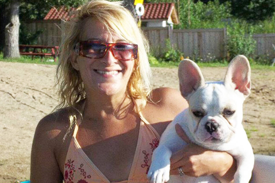 Kleiner Hund tötet und verstümmelt sein Frauchen