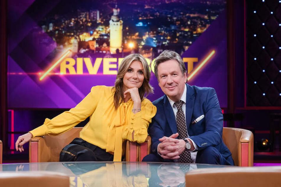 """Sie sind wieder vereint: Kim Fisher (52) und Jörg Kachelmann (62) - aber insgesamt sitzen VIER Moderatoren diesen Freitag im """"Riverboat""""."""