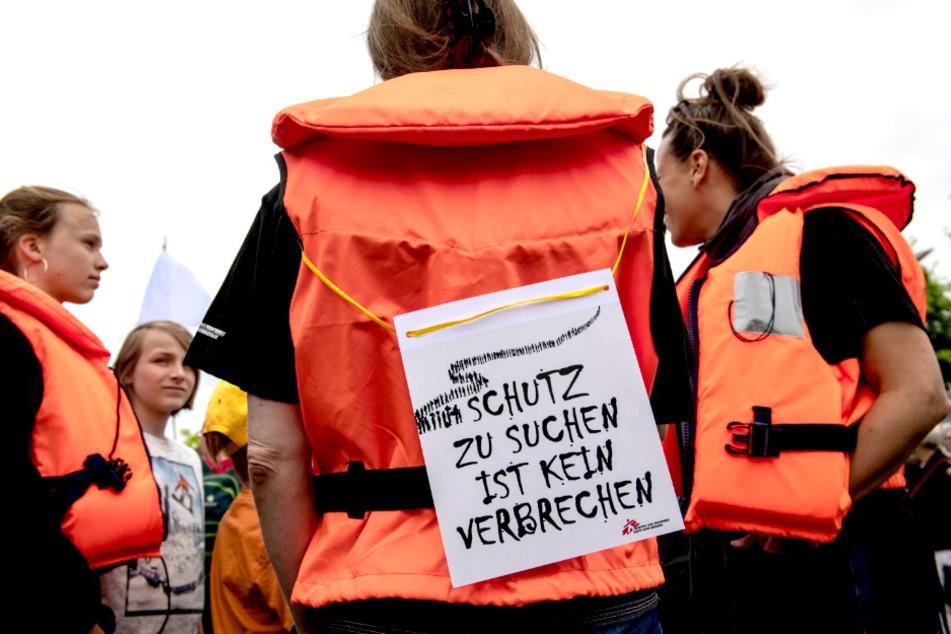 Hunderte wollen in Berlin für Aufnahme von Flüchtlingen demonstrieren!