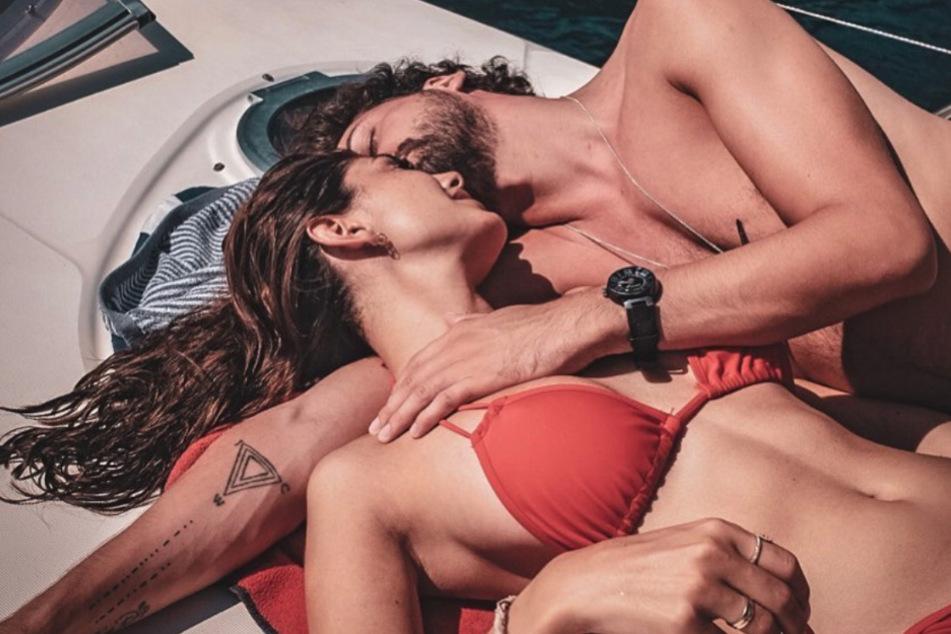 Heiße Pärchen-Fotos! Yeliz und Jimi turteln im Liebes-Urlaub