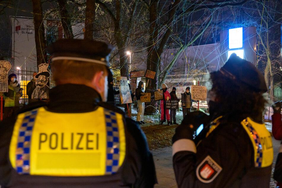 Hamburg: Nächtlicher Protest auf St. Pauli, doch von dieser Sache haben die Demonstranten nichts gewusst