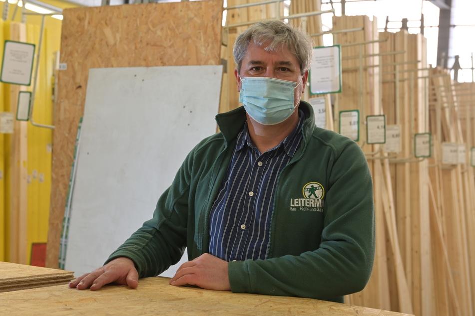 Leitermann-Filialleiter Andreas Kunze (57) muss jetzt nicht nur Bau-, sondern auch die Gartenabteilung schließen.