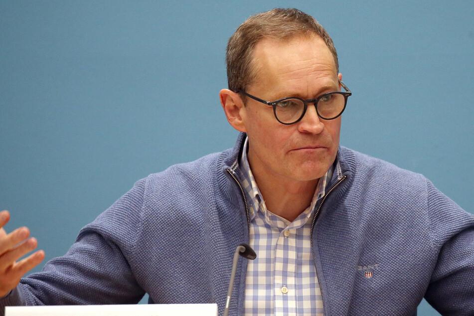 Michael Müller (SPD), Regierender Bürgermeister, beantwortet auf einer Pressekonferenz Fragen von Journalisten.