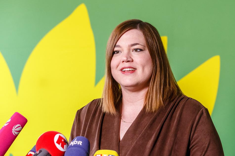 Hamburg: Grünen-Politikerin Katharina Fegebank platzt bei Tempo 120 der Reifen!