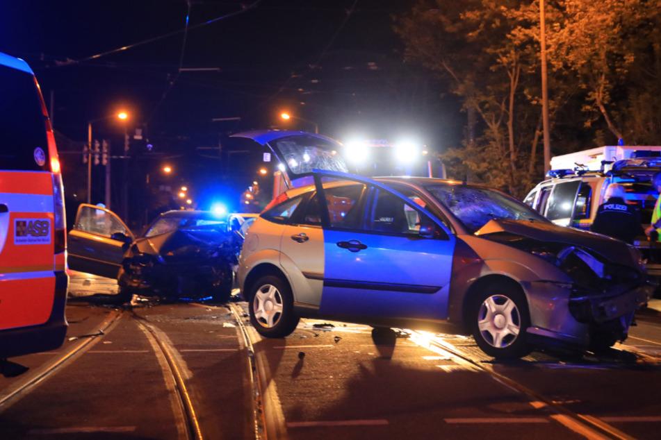 Auf der Riebeckstraße in Leipzig kollidierten Donnerstagnacht zwei Autos miteinander.