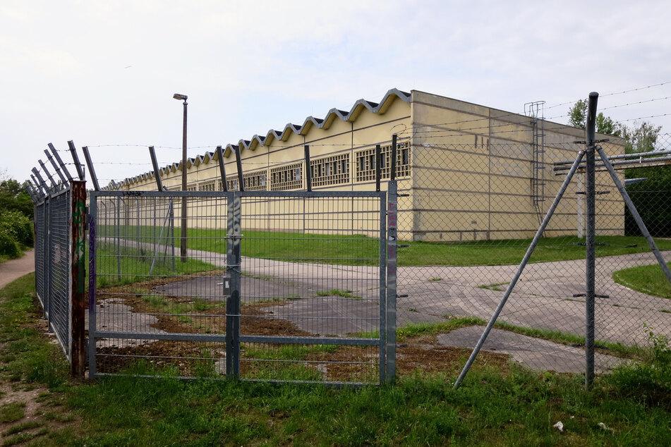 Auf diesem Gelände des Polizeiverwaltungsamtes soll ein Teil der illegalen Geschäfte abgelaufen sein. Im Netz kassieren Sachsens Ordnungshüter jedenfalls wegen der verkloppten Räder jede Menge Spott.