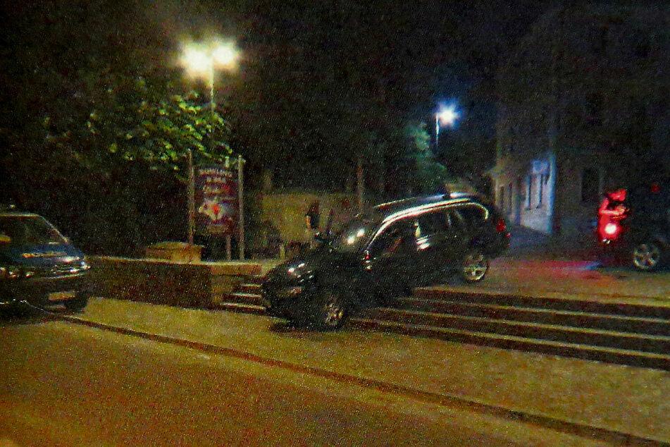 """So entdeckte die zivile Polizeistreife den BMW """"geparkt"""" in Sohland."""