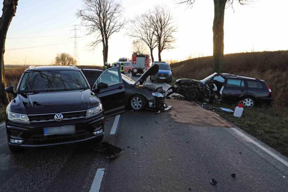 Alle drei Fahrer mussten ins Krankenhaus.