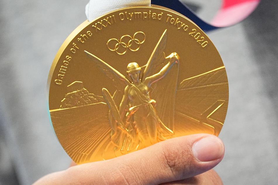 So sieht sie aus, die Goldmedaille der olympischen Spiele in Tokio. Aber aus welchen Materialien besteht sie wirklich?