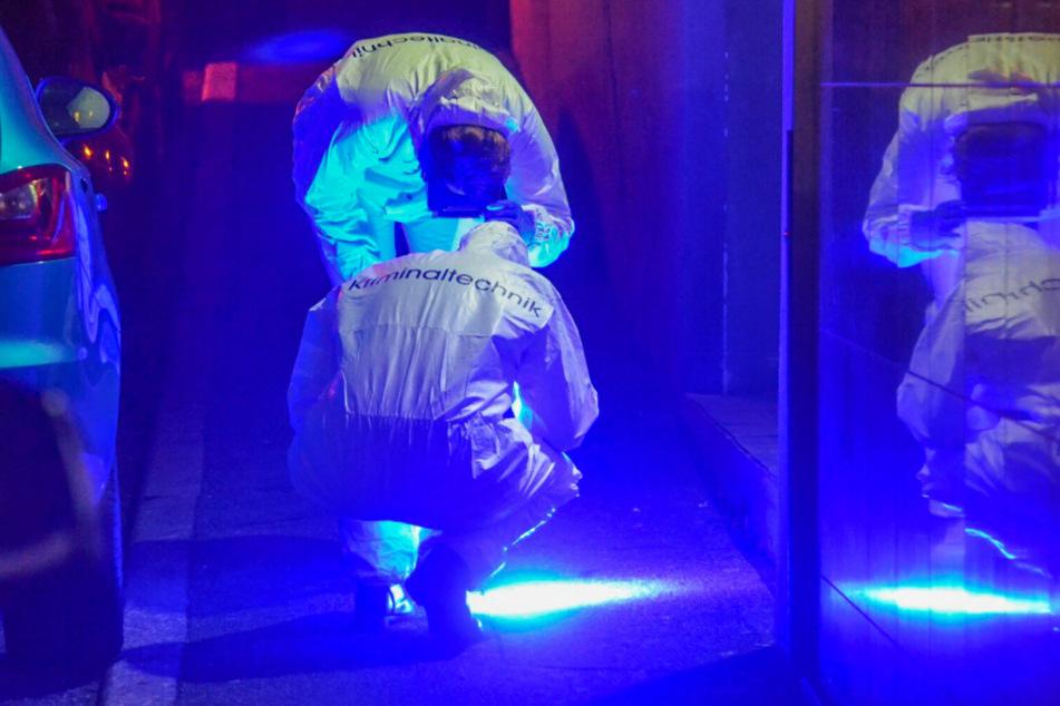 Kriminaltechniker am Tatort im November in Pforzheim. Die Polizei hat nun die Sonderkommission zu dem Fall aufgelöst.