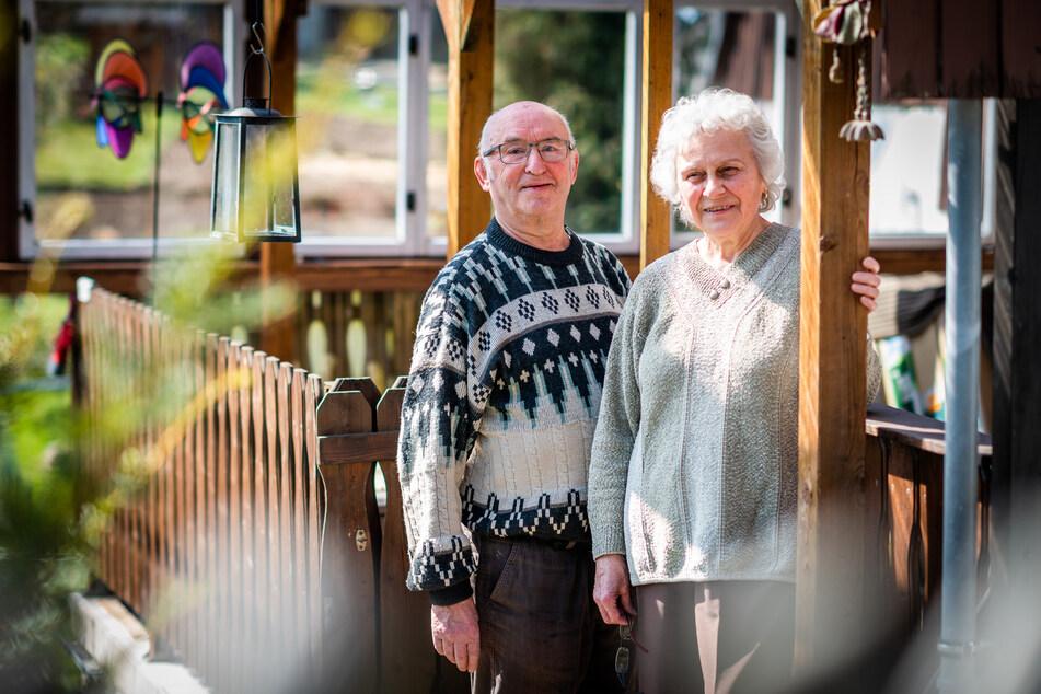 """Der Schwiegervater (80) der Physiotherapeutin und seine Frau (79) halten den Patient-null-Verdacht für """"völligen Blödsinn""""."""