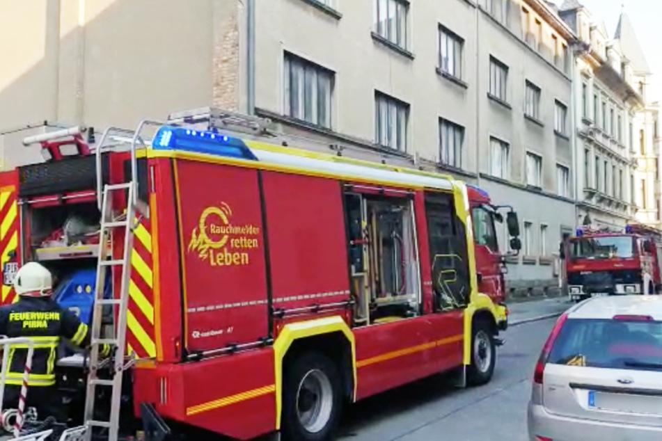 Die Rosa-Luxemburg-Straße war während der Löscharbeiten voll gesperrt.