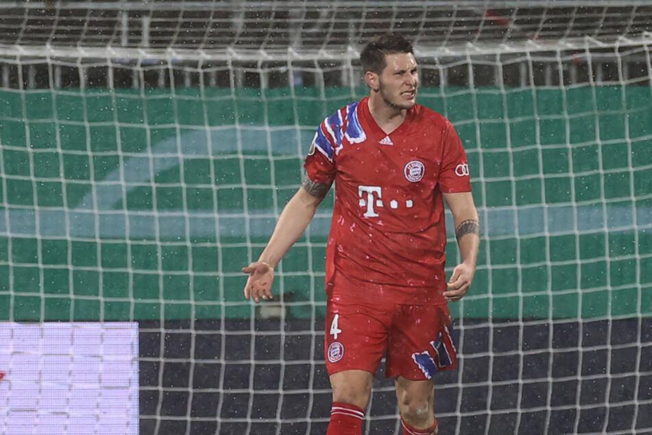 Niklas Süle bei der Schneeregen-Niederlage in Kiel im Human Race Trikot des FC Bayern.