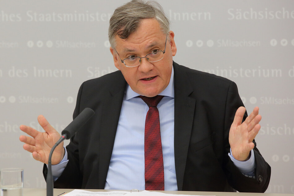 Der bisherige Aufpasser der Verfassungsschützer Dirk-Martin Christian (58) bekommt nun selbst einen Wächter.