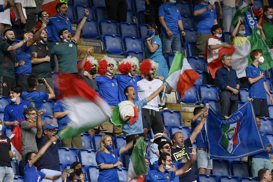 Die italienischen Fans im römischen Stadio Olimpico durften nach dem Abpfiff den souveränen Gruppensieg ihrer Squadra Azzurra bejubeln.