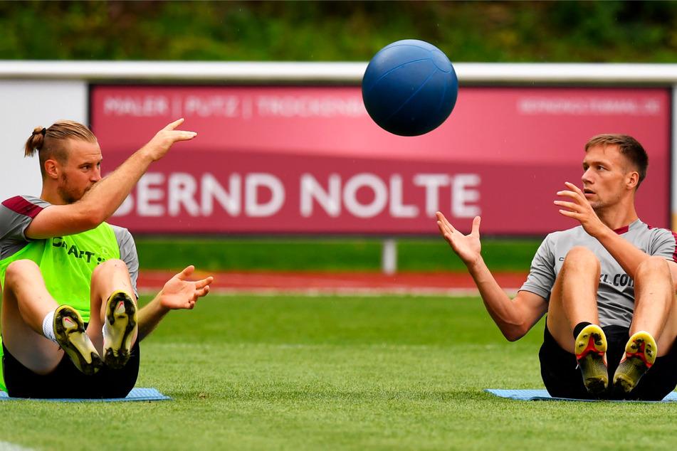 In der Vorsaison war das Abwehr-Duo Sebastian Mai (27, l.) und Tim Knipping (28) ein Garant für den Aufstieg.