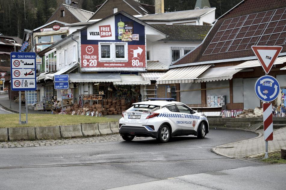 Die tschechische Policie dreht ihre Runden, kontrolliert aber kaum.