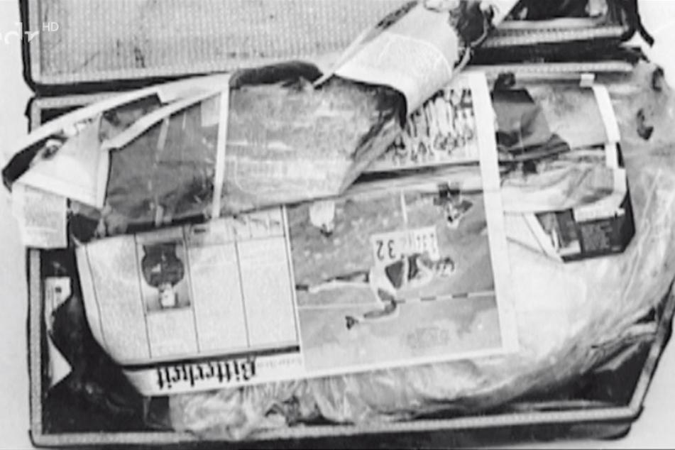 In diesen Koffer war der tote Körper hineingepresst und offenbar aus seinem fahrenden Zug geworfen worden.