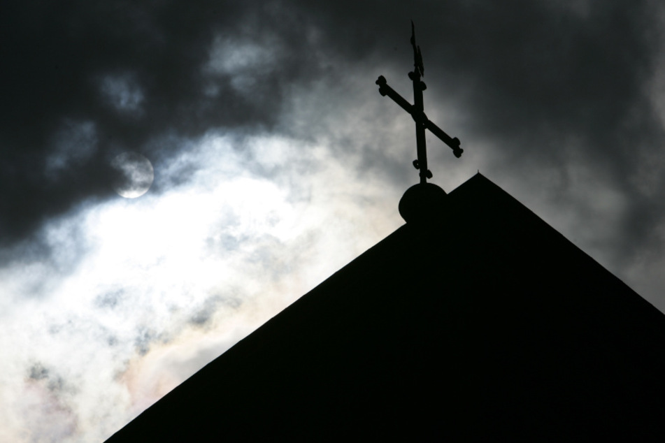 Schon wieder: Priester in Bayern wegen Missbrauchsverdacht suspendiert