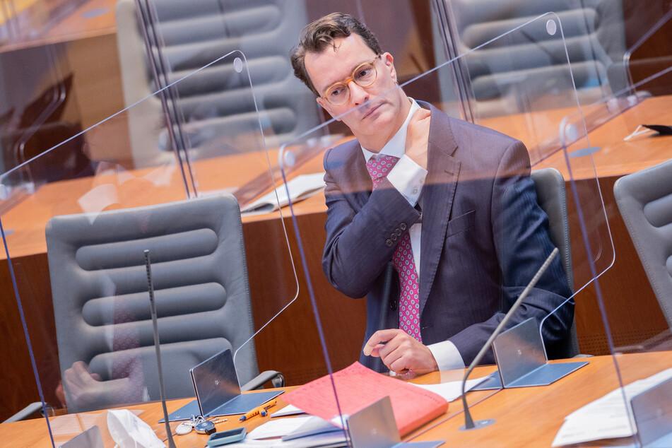 Laut NRW-Verkehrsminister Hendrik Wüst (45, CDU) hat es bei der Ausschreibung zur Leverkusener Rheinbrücke keinen Verstoß gegen die Vergaberegeln gegeben.