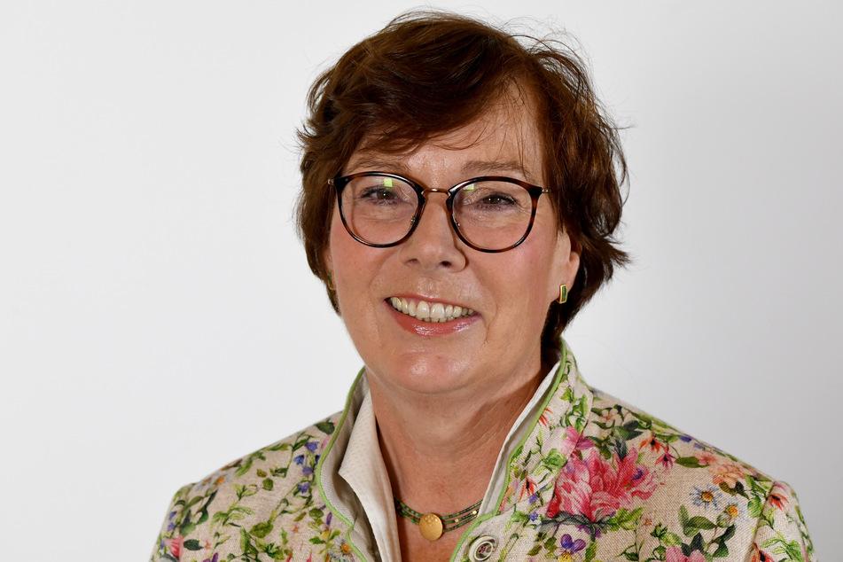 Sabine Sütterlin-Waack (CDU), Justizministerin von Schleswig-Holstein, steht im Landeshaus von Kiel.