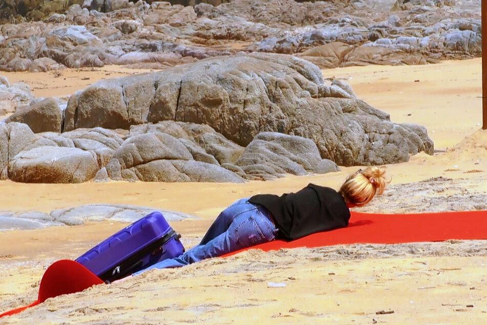 Xenia machte direkt mal 'nen Abflug auf dem roten Teppich.