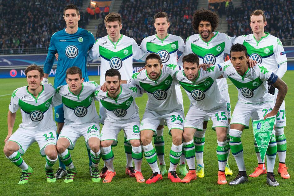 Union Berlins Abwehrchef Robin Knoche (28, hintere Reihe, 2.v.l.) stand in der Saison 2015/16 mit seinem Ex-Klub VfL Wolfsburg im Achtelfinale der Champions League. (Archivfoto)