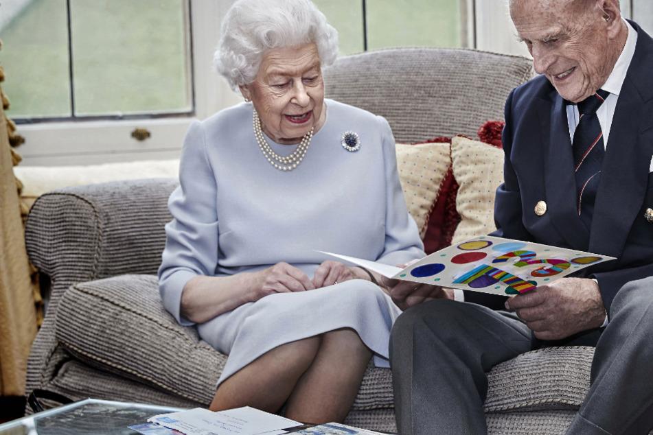 73. Hochzeitstag von Queen Elizabeth und Ehemann Philip: Alte Liebe rostet nicht!