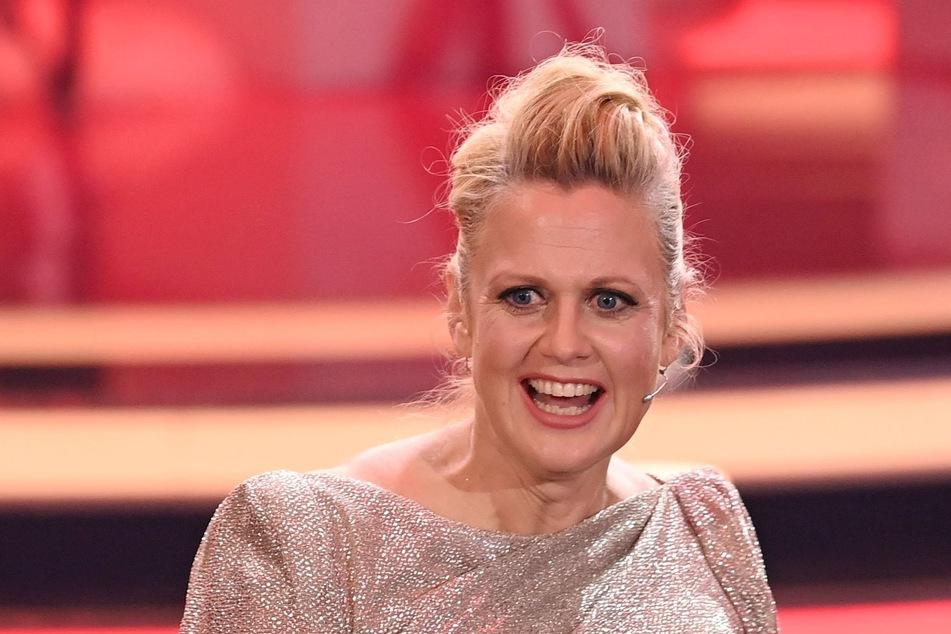 """""""Nach meiner Erfahrung sehnen sich die Leute derzeit nach Unterhaltung, aber auch nach Ruhe und Harmonie"""", sagt Moderatorin Barbara Schöneberger (46)."""