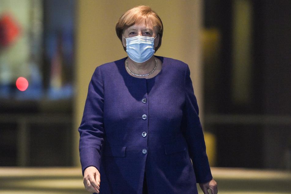 Bundeskanzlerin Angela Merkel (66, CDU) spricht schon vor der anstehenden Konferenz mit den Ministerpräsidenten aller Bundesländer am Mittwoch über ihre Corona-Pläne.
