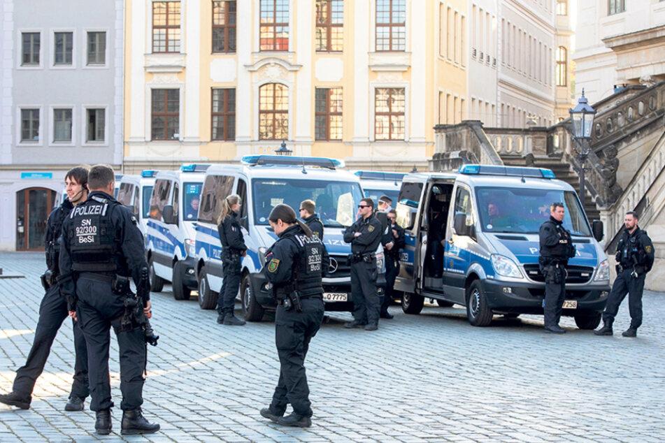 Mehr Polizei als Demonstranten. Für die Beamten gab es wenig zu tun.
