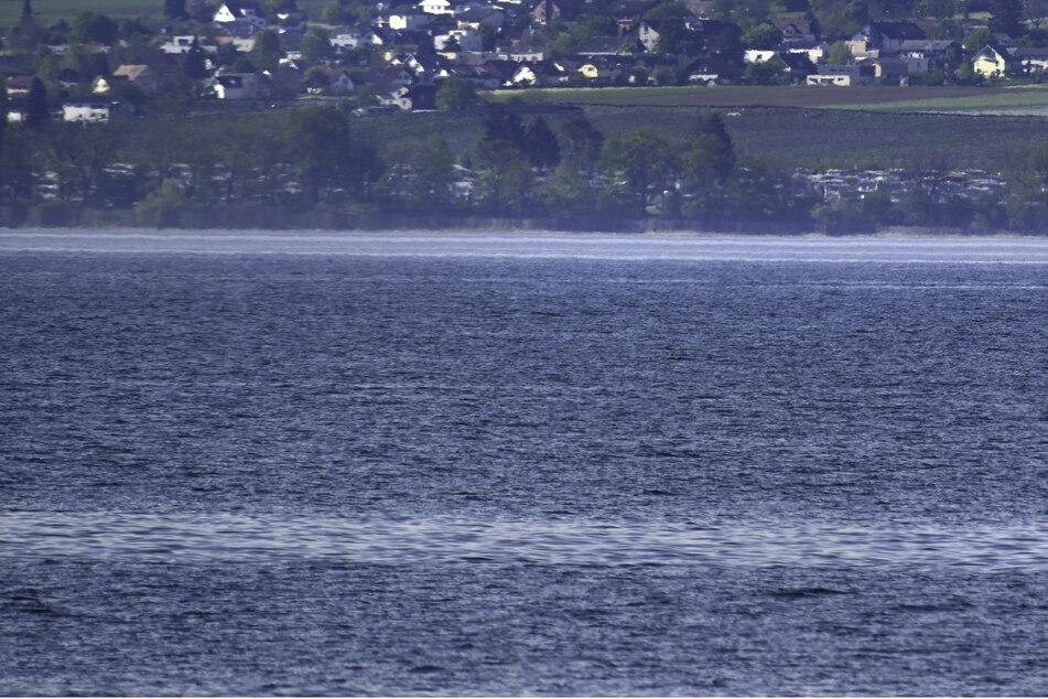 Ein Jahr nach einem Badeunfall ist ein vermisster Schwimmer tot aus dem Bodensee geborgen worden. (Symbolbild)
