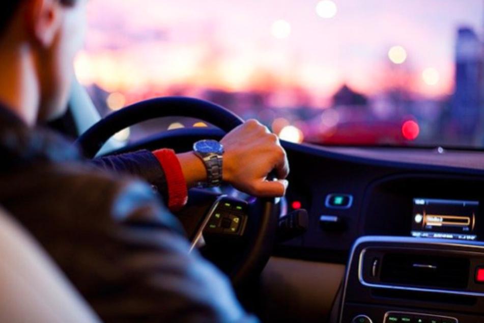 Gerade digitale Services wie Apps machen das Autofahren heute immer leichter.