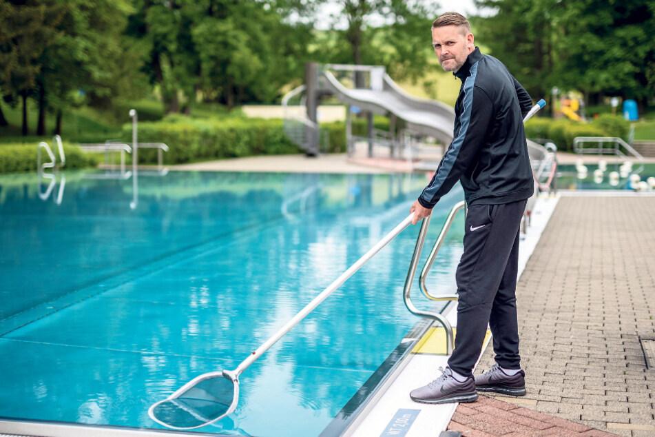 Freut sich auf Badegäste: Sven Lieberwirth (50), Leiter des Freibads Einsiedel.