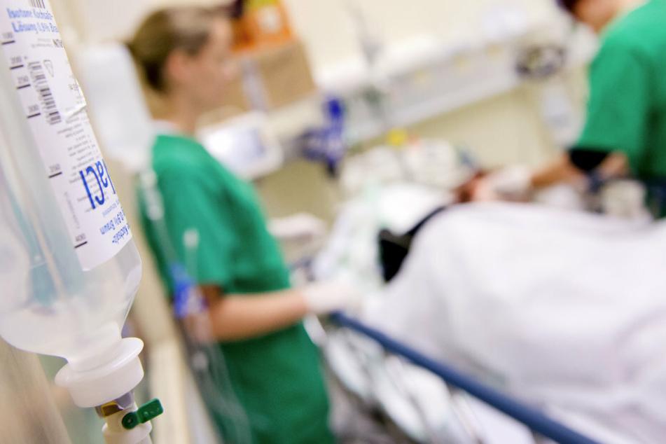 Zwei Tage nach einem Arbeitsunfall ist ein 13-Jähriger im Landeskrankenhaus Feldkirch in Österreich gestorben. (Symbolbild)