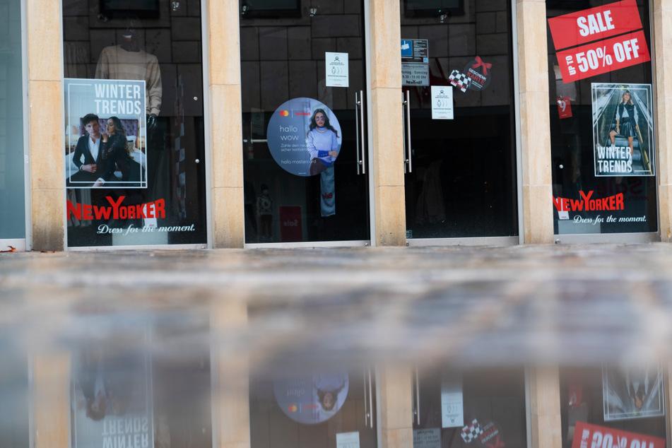 """Bayerns Einzelhandel will wegen Lockdown klagen: """"Totalversagen der Politik"""""""