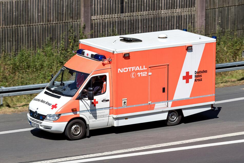 Unfall A3: Biker (†64) fährt quer über A3, stürzt und stirbt noch vor Ort