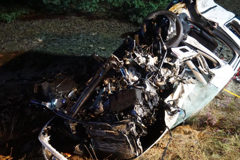 Der Beifahrer des VW Caddys verstarb.