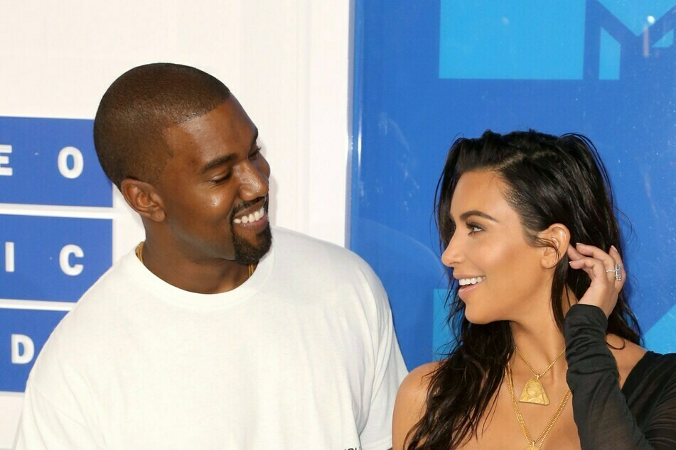 When they were still deeply in love: Kim Kardashian (40, r.) and husband Kanye West (43).