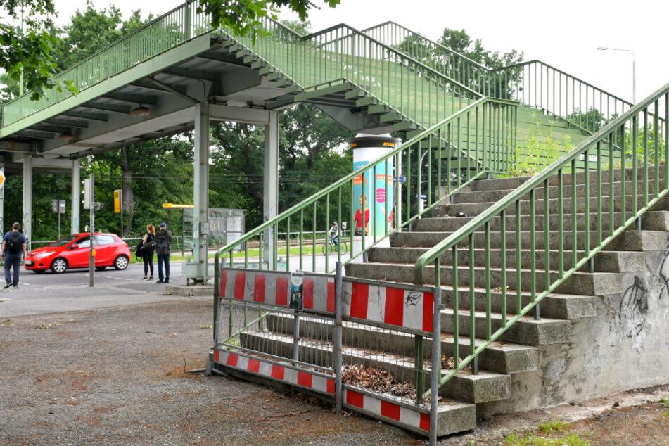 Die Brücke über die Königsbrücker Straße ist seit Jahren gesperrt.