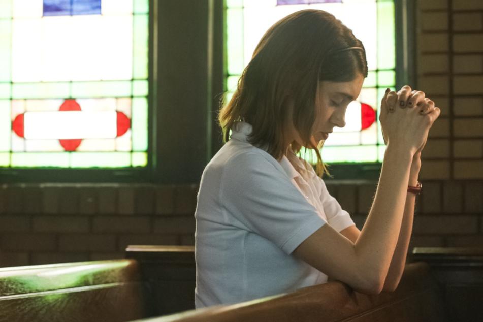 """""""Yes, God, Yes - Böse Mädchen beichten nicht"""": Mädchen erwischt Priester beim Pornos schauen"""